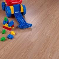 Akú podlahu vybrať do bytu