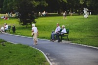 Bývanie pre starších ľudí: Panelové seniorské domy so všetkou starostlivosťou