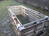 Záhradný kompostér z paliet