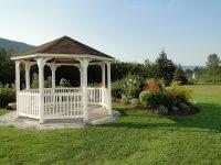 Altánok alebo pergola ozdobia vašu záhradu